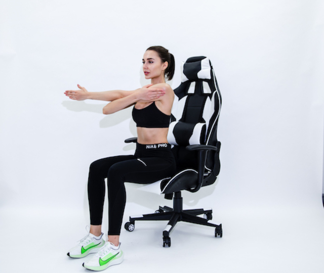 eSports & Gamer - How to Help Shoulder Pain